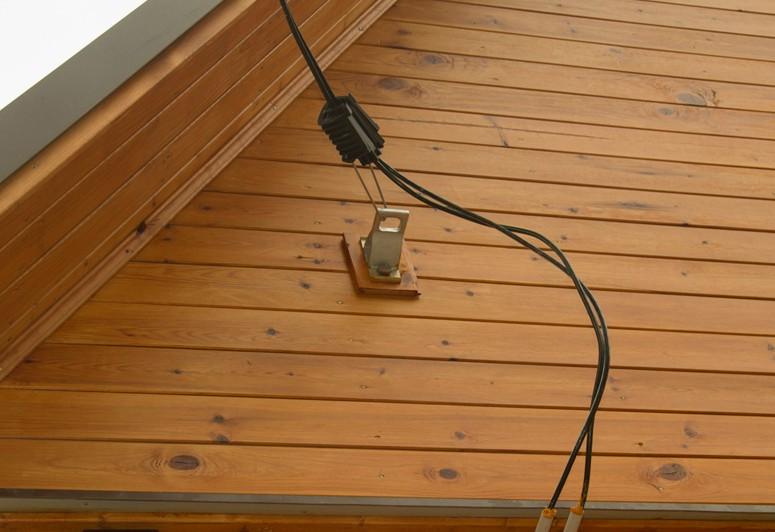 Как сделать ввод электричества к деревянному дому 277